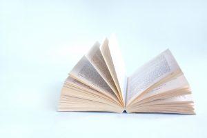 開きかけの本