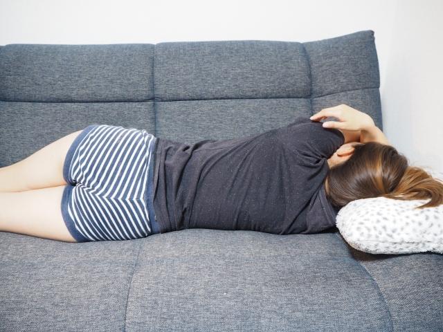 怠ける女性