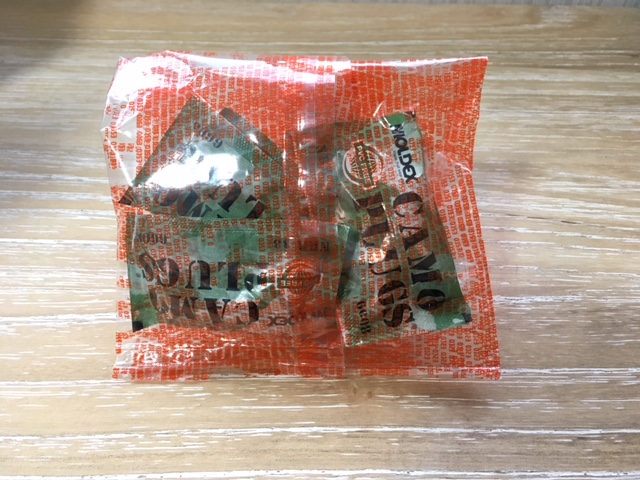 個包装された耳栓