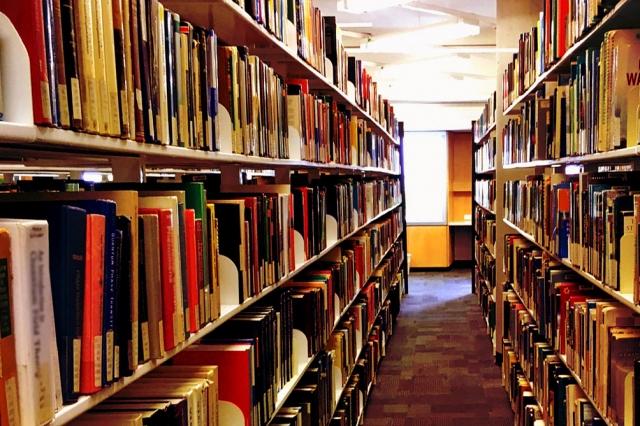 雰囲気の良い図書館